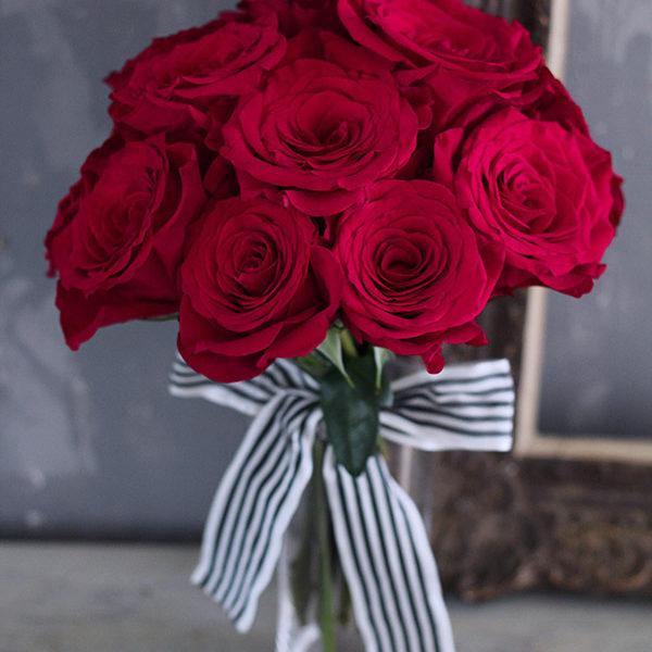 赤いバラのダズンローズブーケ