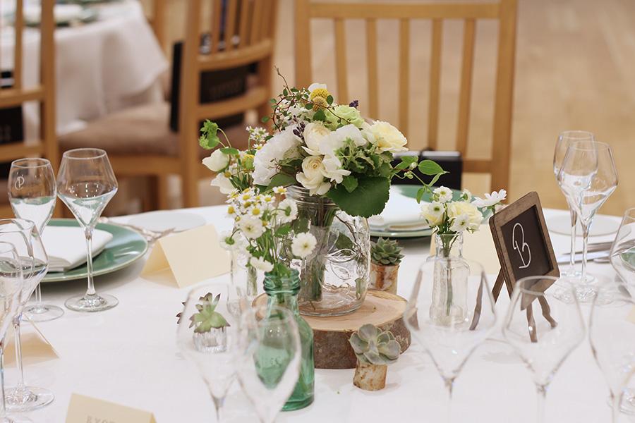 ゲストテーブル 装花,丸太,輪切り,スライス
