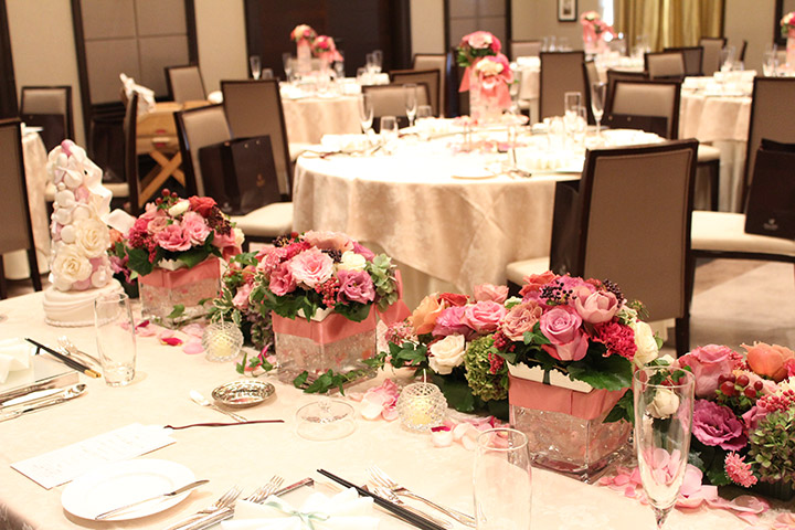 メインテーブル,裏側,ガラス花器,キャンドル